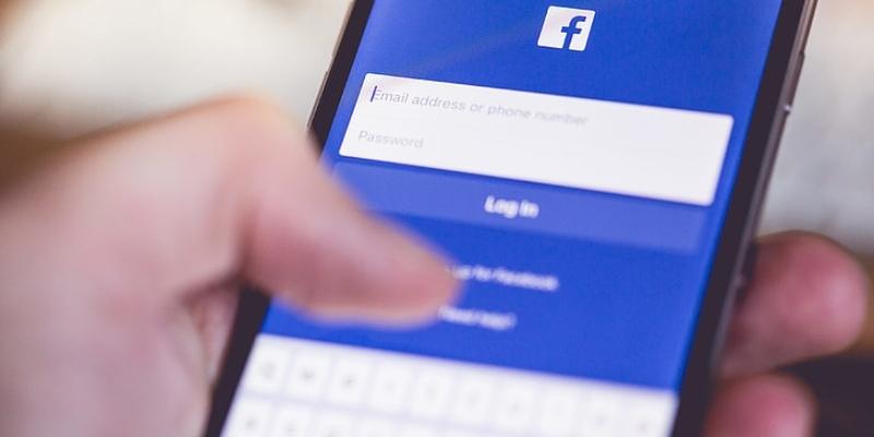 Facebook deixa de colaborar com autoridades de Hong Kong